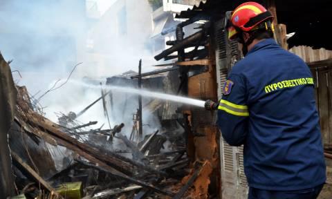 Ασύλληπτη τραγωδία με άνδρα στον Πειραιά - Νεκρός σε φωτιά