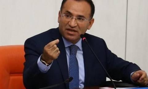 Πρόκληση Μποζντάγ: Ανίκανοι Έλληνες πολιτικοί προσπαθούν να χαλάσουν τις σχέσεις Ελλάδας - Τουρκίας