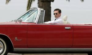 Δεν φαντάζεστε ποιος βγάζει το αυτοκίνητό του στο σφυρί!