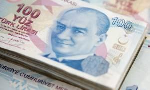 Καταρρέει η τουρκική οικονομία: Σε ελεύθερη πτώση η λίρα
