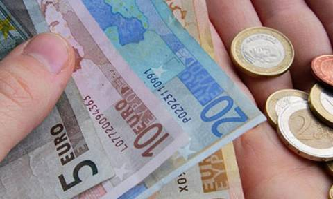Eurostat: Στα 14,5 ευρώ το ωριαίο κόστος εργασίας στην Ελλάδα - Στα 30,3 στην ευρωζώνη