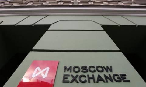 Καταρρέει η ρωσική χρηματαγορά - Ντόμινο επιπτώσεων και στην Ελλάδα
