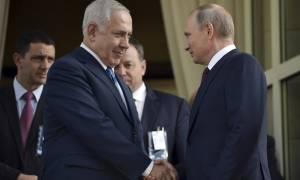 Ο Πούτιν προειδοποιεί το Ισραήλ: Μείνε μακριά από τη Συρία!