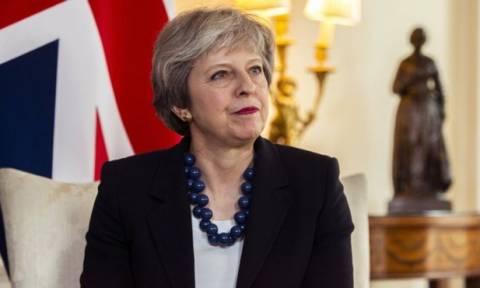 Η Τερέζα Μέι θα ζητήσει την έγκριση του υπουργικού συμβουλίου για την επίθεση στη Συρία