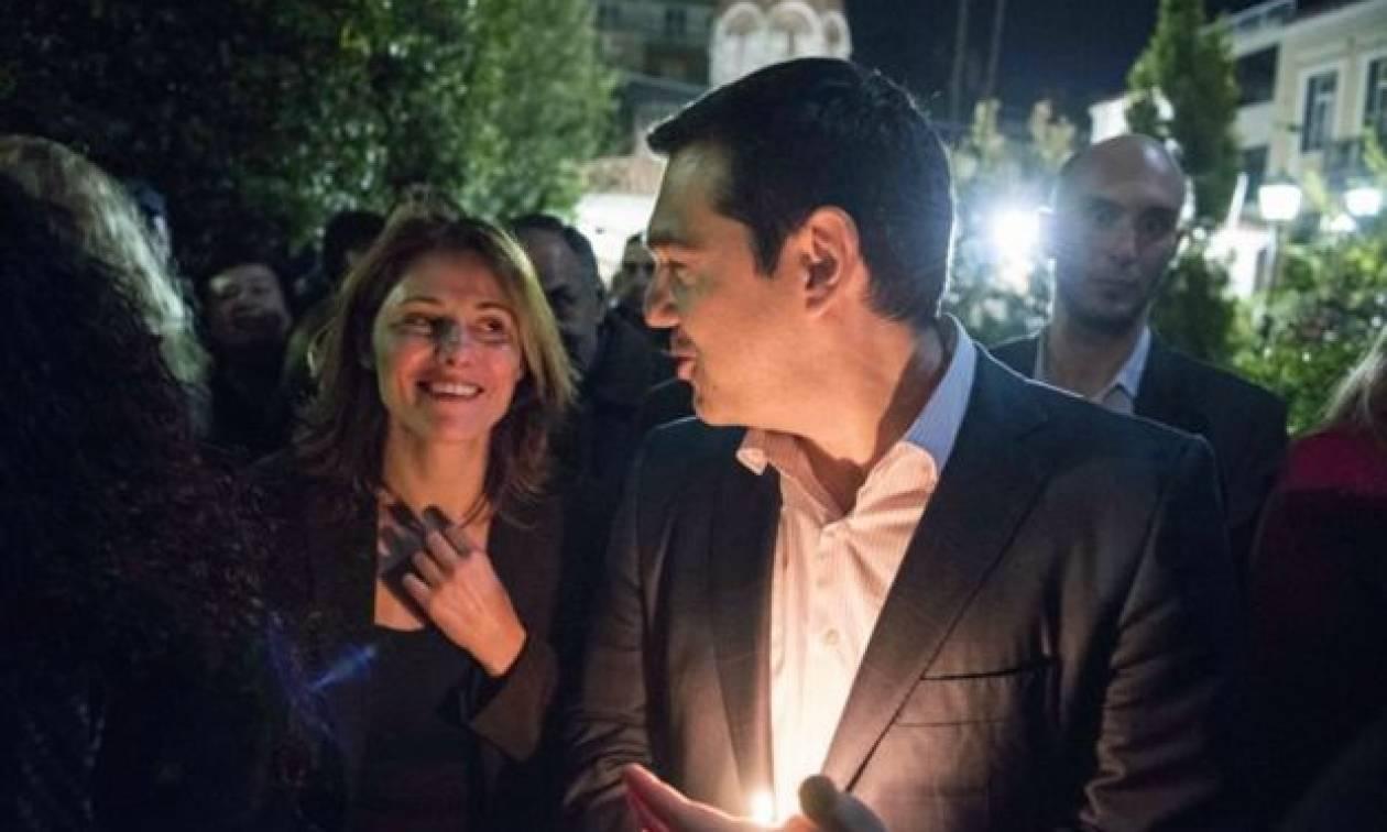 Το Πάσχα του Αλέξη Τσίπρα: Όσα δεν έδειξαν οι κάμερες (pic)