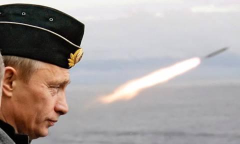 ΔΕΟΣ: Δείτε τη ρωσική πολεμική μηχανή που θα «απαντήσει» στον Τραμπ στη Συρία (Pics+Vids)