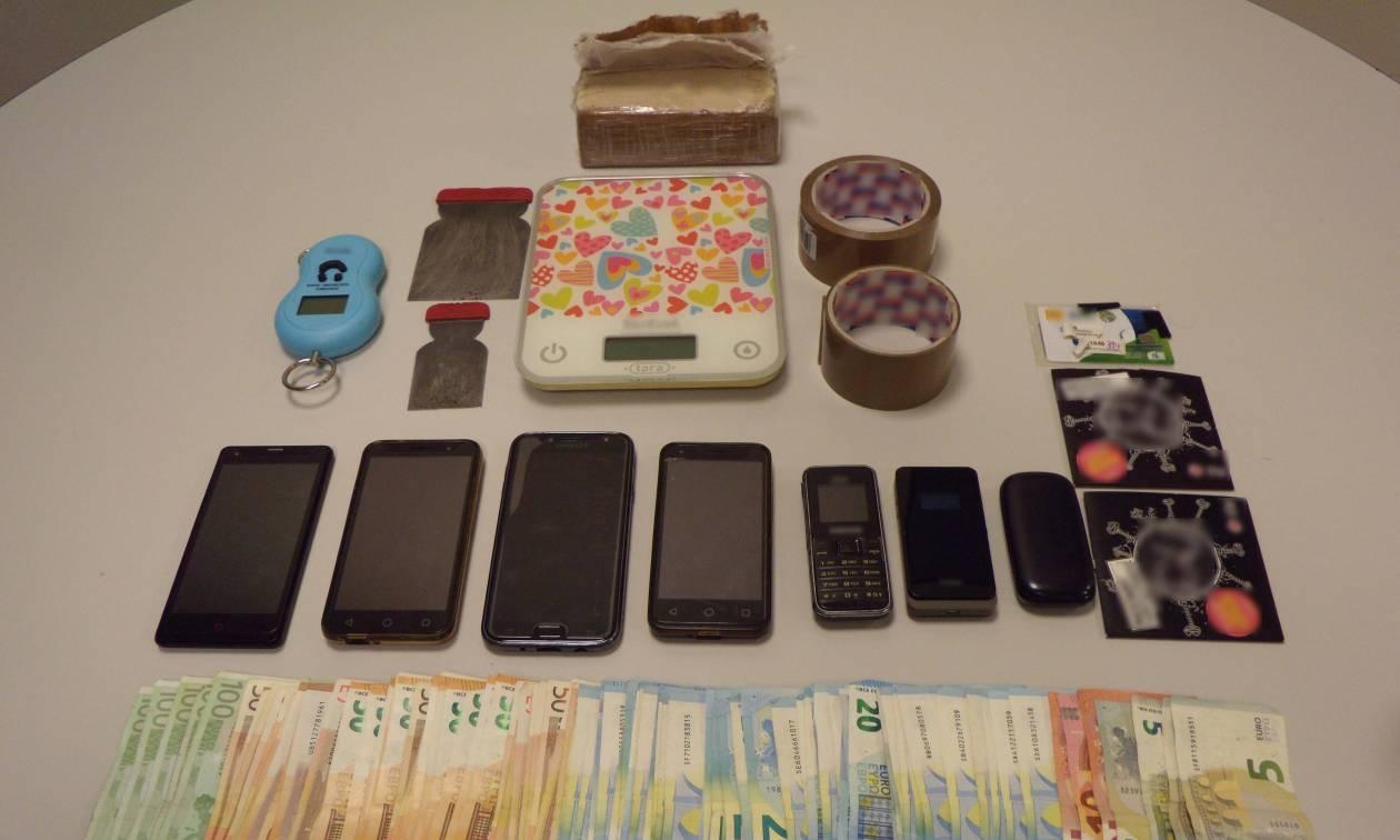 Θεσσαλονίκη: Οικογενειακή υπόθεση τα ναρκωτικά - Πατέρας και κόρη πουλούσαν ηρωίνη