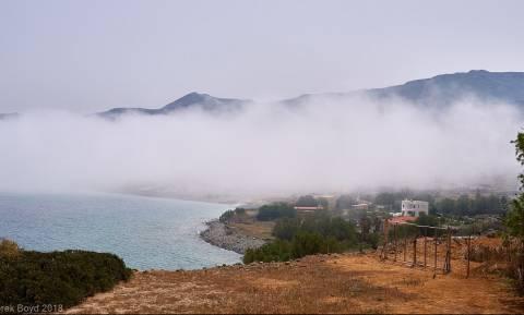 Εντυπωσιακές εικόνες από την Κρήτη: Όταν τα σύννεφα ακούμπησαν τη θάλασσα …
