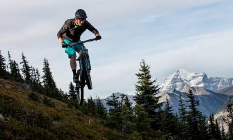 Με αυτήν την ποδηλατάρα μπορείς να κάνεις ΕΠΙΚΑ κατεβάσματα!