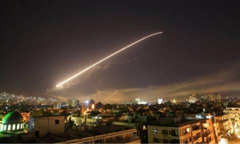 Συρία πόλεμος: Αυτός είναι ο λόγος που ΗΠΑ, Βρετανία και Γαλλία βομβάρδισαν τη Δαμασκό