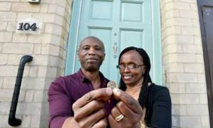 Αγόρασαν ένα «ερείπιο» με 1 λίρα και το έκαναν «παλάτι» (photos+vid)