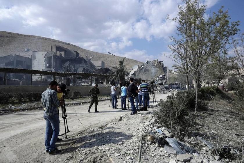 Συρία: Παγκόσμιος τρόμος από τους βομβαρδισμούς - Οι αντιδράσεις και η επόμενη μέρα (pics+vids)