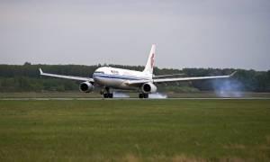 Θρίλερ με ομηρεία σε πτήση: Αναγκαστική προσγείωση αεροσκάφους (pics)