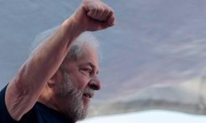 Βραζιλία: Ο πρώην πρόεδρος Λούλα δηλώνει «ήρεμος αλλά αγανακτισμένος» μέσα από τη φυλακή