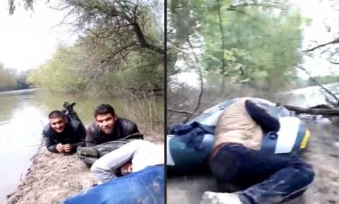 Έβρος: Βίντεο - ντοκουμέντο με Τούρκους διακινητές να περνούν παράνομα Σύριους στην Ελλάδα