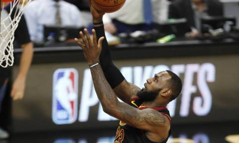 NBA: Μυθικός ο Τζέιμς στην αντίδραση των «Καβς» (videos)