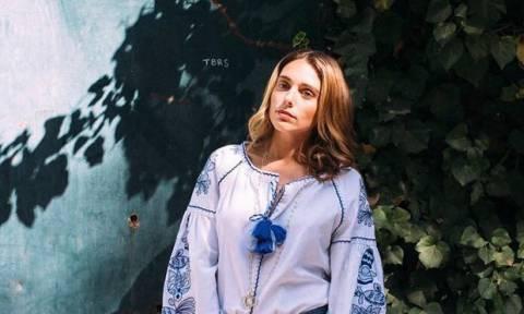 H Μαριάννα Γουλανδρή φωτογραφίζεται για πρώτη φορά, έναν μήνα μετά τη γέννηση της κόρη της