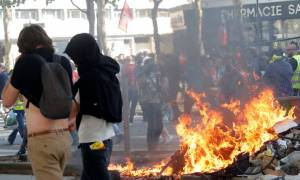 Σοβαρά επεισόδια στο Παρίσι μεταξύ αστυνομίας και διαδηλωτών (videos+pics)