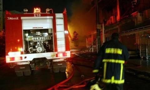 Φωτιά στη Γλυφάδα: Δύο τραυματίες από πυρκαγιά σε μονοκατοικία