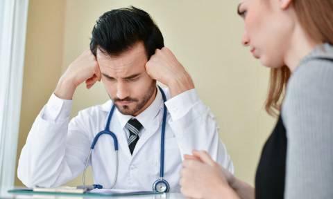 ΠΟΕΔΗΝ: Κινητοποίηση στις 25 Απριλίου υπό τη σκιά των καθηλωμένων δαπανών υγείας