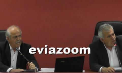 Χαλκίδα: Απίστευτα μπινελίκια στο δημοτικό συμβούλιο - «Άι γ@μ@σου μ@λ@κ@» (vid)