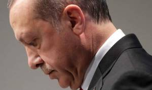 Εκλογές Τουρκία: Ντέρμπι δείχνουν οι δημοσκοπήσεις – Σε πανικό ο Ερντογάν