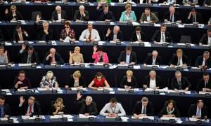 «Καμπανάκι» από το Ευρωκοινοβούλιο για τη μείωση των εμβολιασμών στην Ε.Ε.