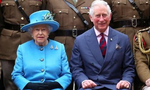 Είναι επίσημο: Ο πρίγκιπας Κάρολος ορίστηκε διάδοχος της βασίλισσας Ελισάβετ