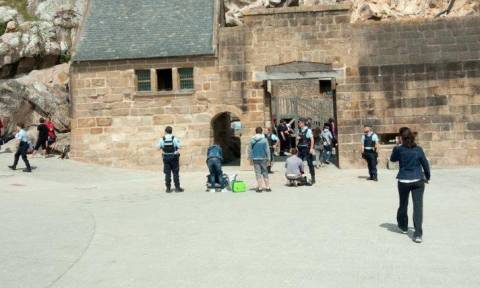 Λήξη συναγερμού στη Νορμανδία: Ανοίγει και πάλι το Μον Σεν Μισέλ