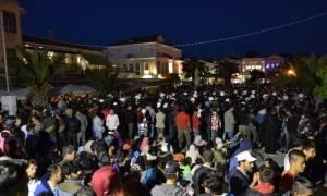 Χάος στη Μυτιλήνη: Επεισόδια σε όλο το μήκος της προκυμαίας