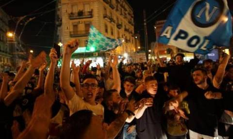 Νάπολι: Βγήκαν στους δρόμους για το «διπλό» με Γιουβέντους (vid)