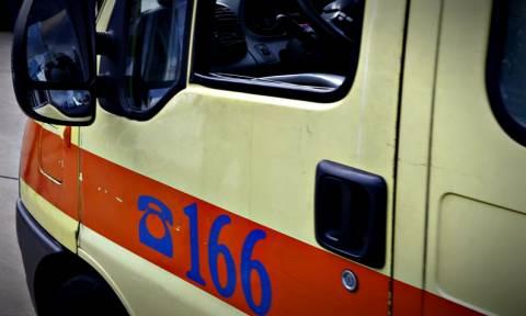 Αναστάτωση στην Πάτρα: 19χρονος έπεσε σε φωταγωγό (vid)