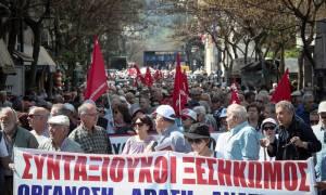 Ημέρα συγκεντρώσεων διαμαρτυρίας στην Αθήνα: Σε εξέλιξη δύο πορείες (pics)