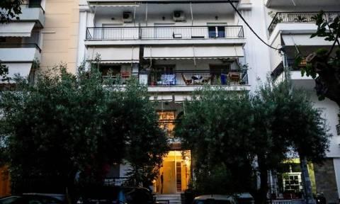 Ποινική δίωξη για παιδοκτονία σε βάρος της 22χρονης που πέταξε το μωρό της από το παράθυρο