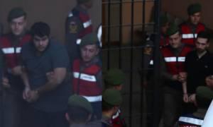 Νέο βίντεο με τους Έλληνες στρατιωτικούς: Καρέ – καρέ η μεταγωγή τους στο δικαστήριο
