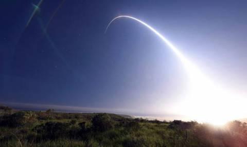Οι ΗΠΑ προχώρησαν σε «επιτυχή» δοκιμή διηπειρωτικού βαλλιστικού πυραύλου