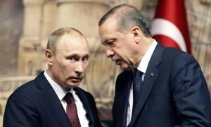 Τα «γυρίζει» τώρα ο Ερντογάν: «Αδειάζει» τον Πούτιν για τους S-400