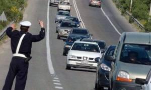 Αυξημένα τα μέτρα της Τροχαίας για την έξοδο της Πρωτομαγιάς - Απαγόρευση κυκλοφορίας των φορτηγών