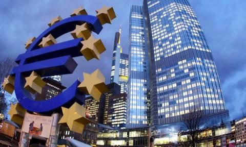 FT: Η ΕΚΤ πιέζει τη Γερμανία για τολμηρή ελάφρυνση του ελληνικού χρέους