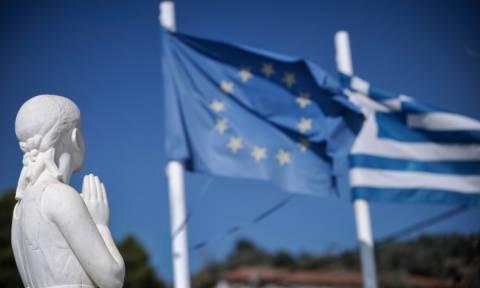 Stern: Οι Έλληνες υποφέρουν - Δώστε τους ελάφρυνση χρέους