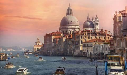 Σάλος στη Βενετία: Απαγορεύεται η πρόσβαση σε τουρίστες στις ώρες αιχμής (Pics+Vid)
