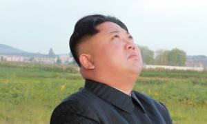 Ο Κιμ Γιονγκ Ουν γράφει ιστορία: Αλλάζει κατά 30 λεπτά την ώρα στην Βόρεια Κορέα (Vid)
