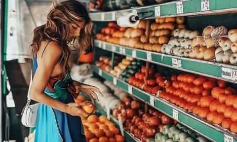 5 φρούτα που καθαρίζεις λάθος και δεν το ξέρεις. Σε συγχωρούμε