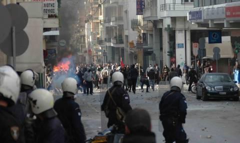 Πρωτομαγιά 2018: Τα… έσπασαν αναρχικοί στην Πάτρα (pics)