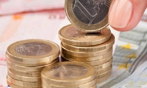 Μισθωτοί και συνταξιούχοι τα μόνιμα φορολογικά υποζύγια