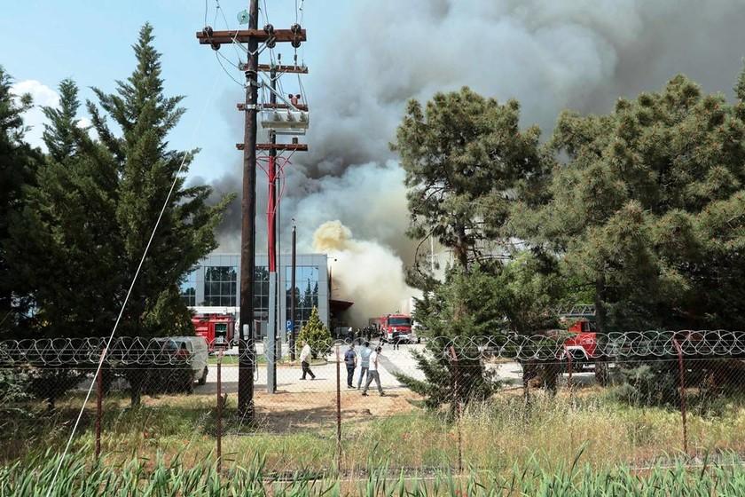 Ξάνθη: Προληπτικά μέτρα προστασίας των κατοίκων μετά τη φωτιά στο εργοστάσιο
