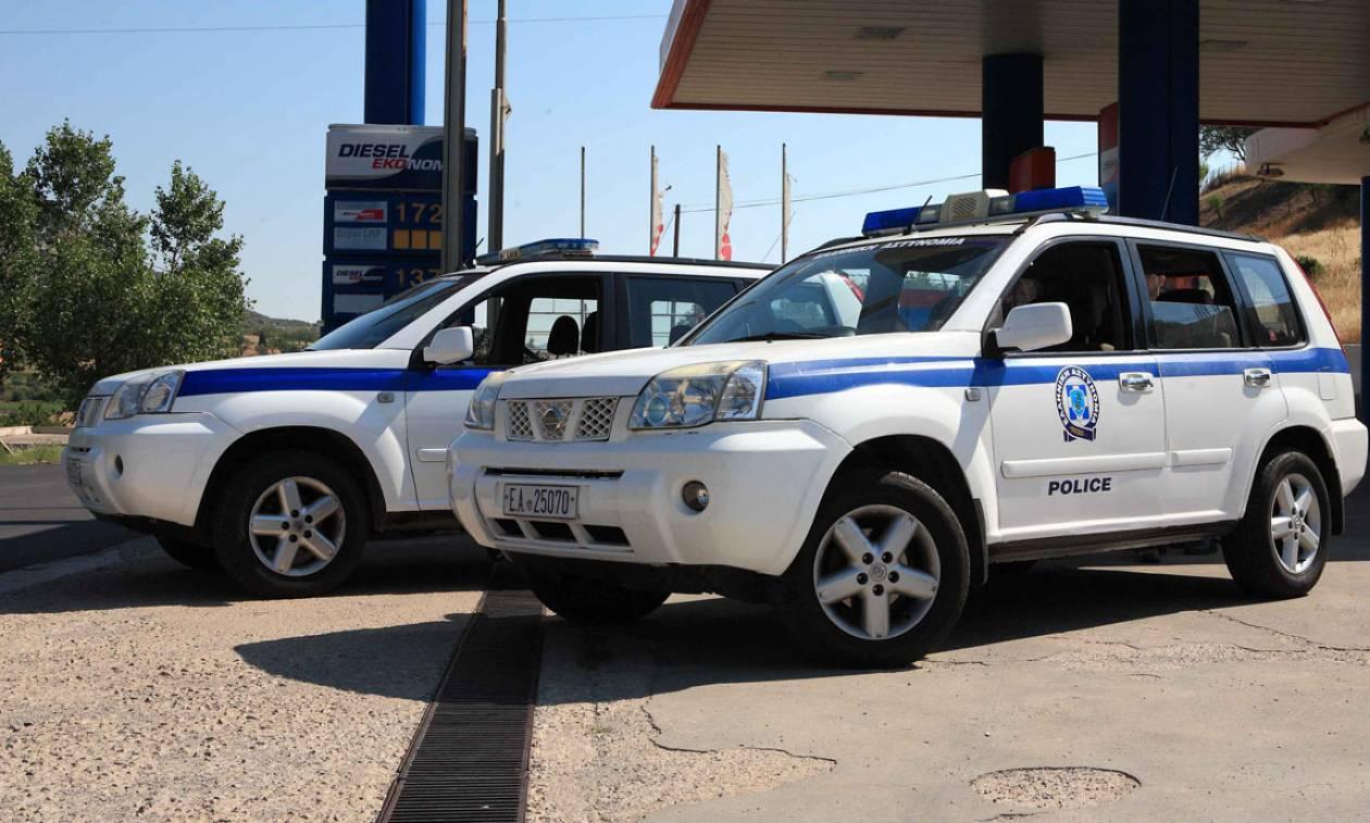 Νέα Μανωλάδα: Άγνωστοι λήστεψαν και μαχαίρωσαν αστυνομικό