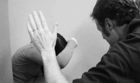 Περιστατικό ενδοοικογενειακής βίας στη Λαμία: Κατήγγειλε ξυλοδαρμό και οδηγήθηκε στο νοσοκομείο