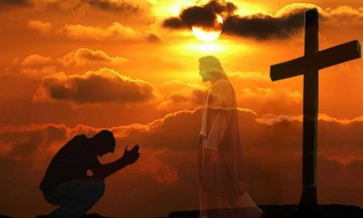Προσευχή του Αγίου Όρους: Αν τη λέτε κάθε πρωί τίποτα κακό δεν ...