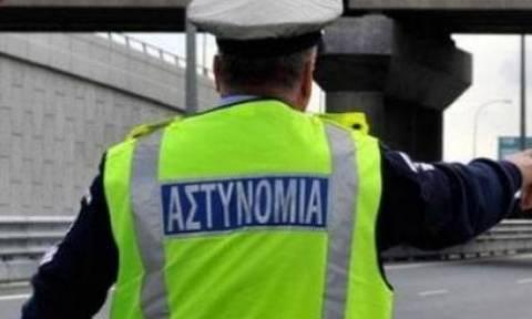 Σοκαριστικό Τροχαίο: Οδηγός έκανε αναστροφή στην Εθνική Οδό (ΣΚΛΗΡΟ ΒΙΝΤΕΟ)